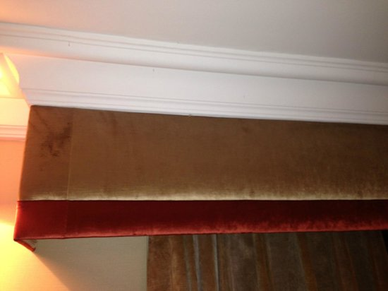 The Mitre Hotel: Stains on Pelmut