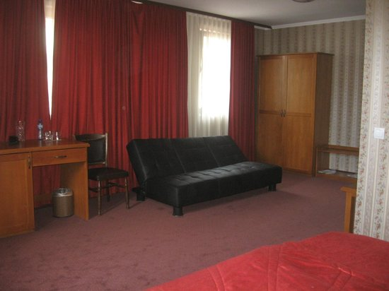 Real Hotel: Couch and bed