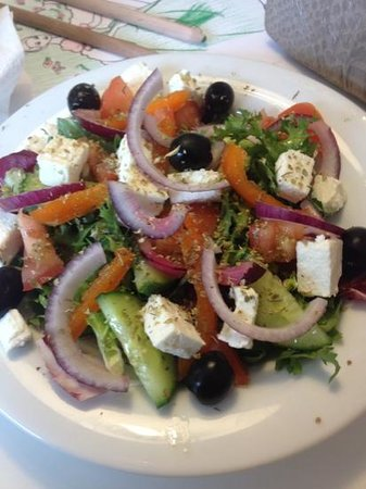 Cafe Zebra: Greek salad yum yum yum
