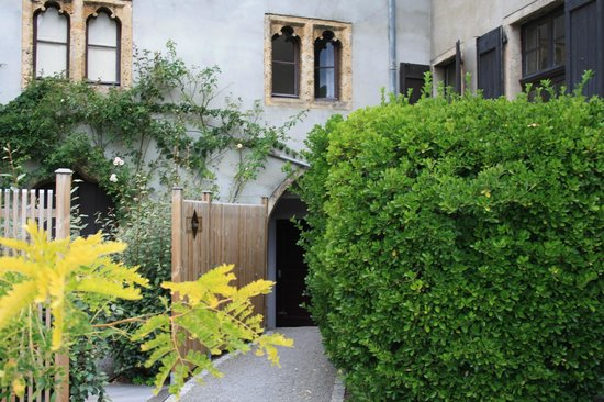 Hotel Restaurant Chateau de Creissels: In the garden