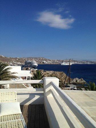 Mykonian Mare Luxury Suites Hotel: Blick nach Chora