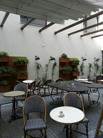 Hotel UNIC Prague: Внутренний двор