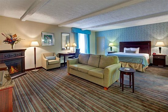 BEST WESTERN PLUS Lockport Hotel: Suite