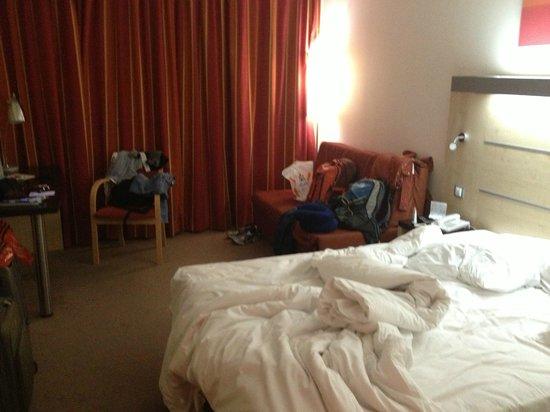 Holiday Inn Express: Room