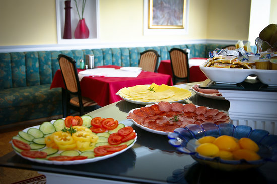 Muschel Hotel Balaton: Breakfast