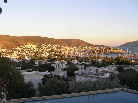 Antique Theatre Hotel: View over Bodrum Bay