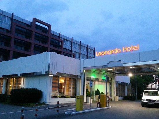 Leonardo Hotel Cologne Bonn Airport: Entrance
