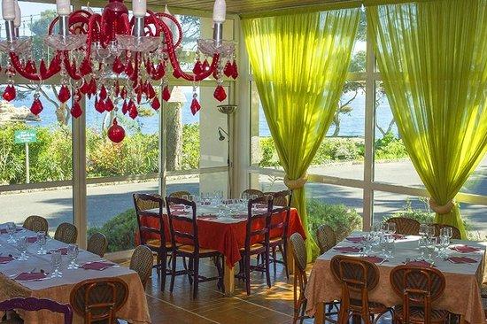 Salle de restaurant foto di club vacanciel de carry le for Resto carry le rouet