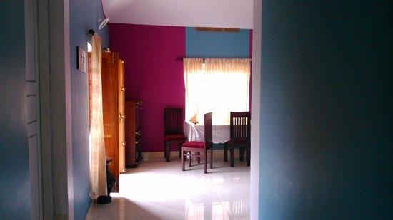 Rocky Nest HomeStay: Living Area