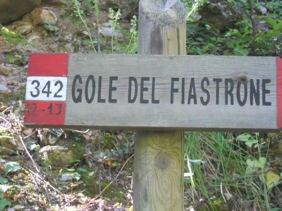 Fiastra, อิตาลี: Cartello Giusto.