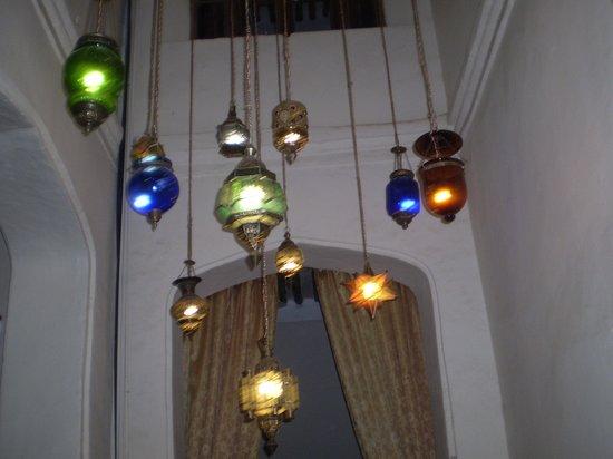 Zanzibar Palace Hotel: The wonderful Lighting in hotel!
