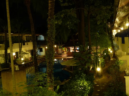 Horizon Patong Beach Resort & Spa: night time view