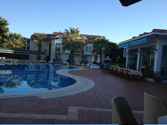Rebin Beach Hotel: pool