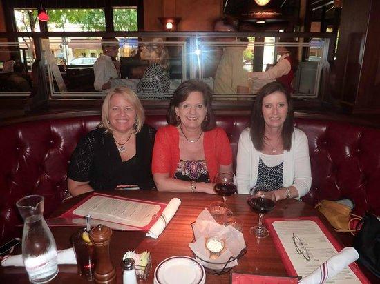 Ozzie's Good Eats: Lori, Jenny and Teresa at Ozzie's