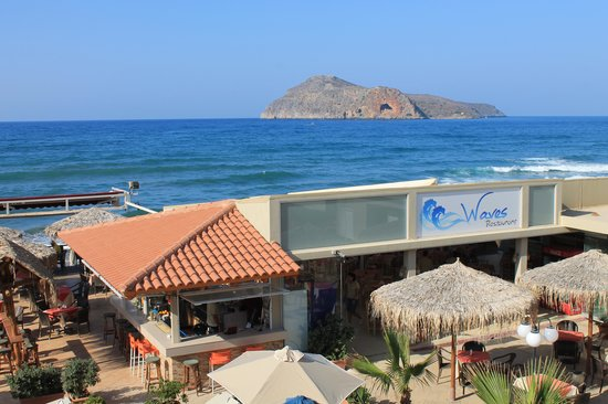 Hotel Marika: Restaurangen Waves vid havet...