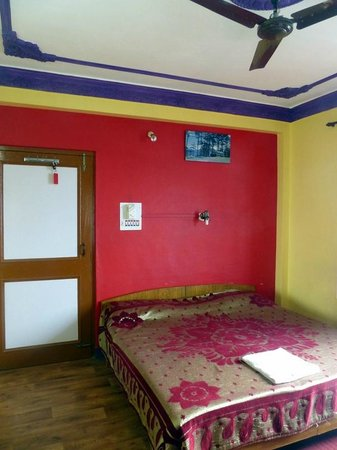 Pink House Hotel & Spa: Large, comfortable bed.