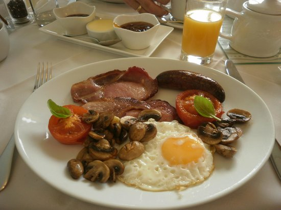 Yoredale House Guesthouse and Hamilton's Tea Room : Full English Breakfast - DELICIOUS!