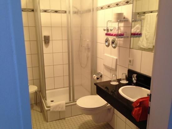 Hotel in Herrenhausen: bagno camera 63