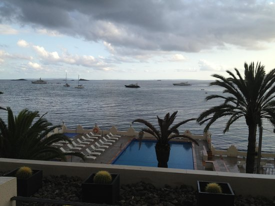Nautico Ebeso Hotel: Cloudy but you get the idea of the potential views.