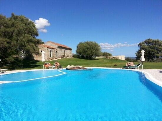 Hotel Stazzo Lu Ciaccaru : the pool