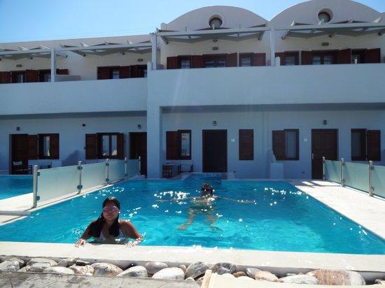 Splendour Resort : η πισινα της σουιτας