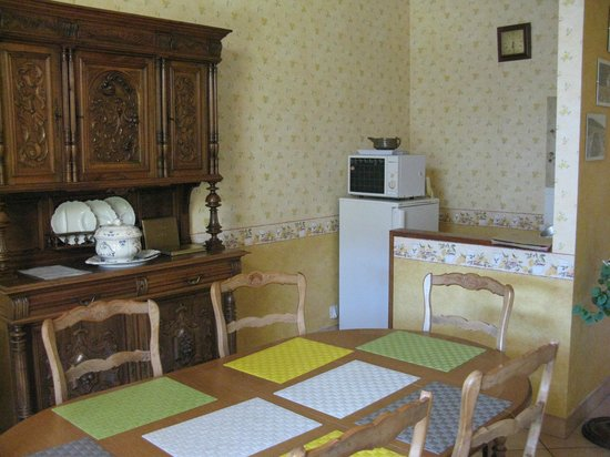 La Cadolle : Dining room and kitchen corner