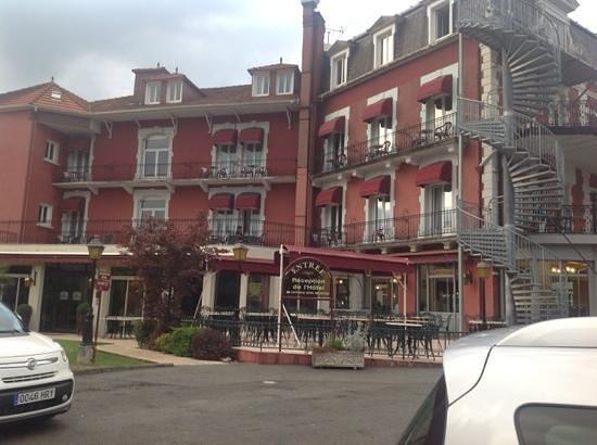 Best Western Hotel BeauSejour Lourdes: esterno hotel dal parcheggio