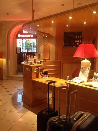 Best Western Hotel BeauSejour Lourdes : reception