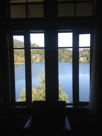 Nita Lake Lodge : Room 314 *outside windows open