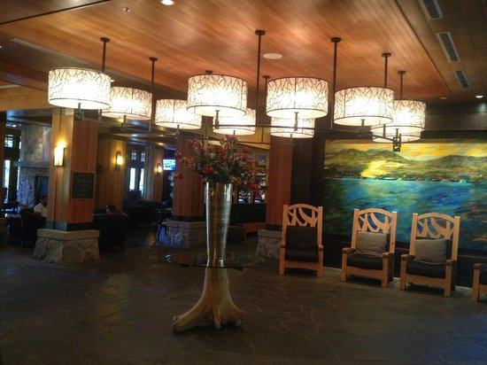 Nita Lake Lodge: Main Lobby Area