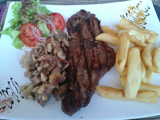 Quadrado: Grilled steak