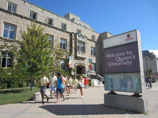 Queens University: campus queen's university