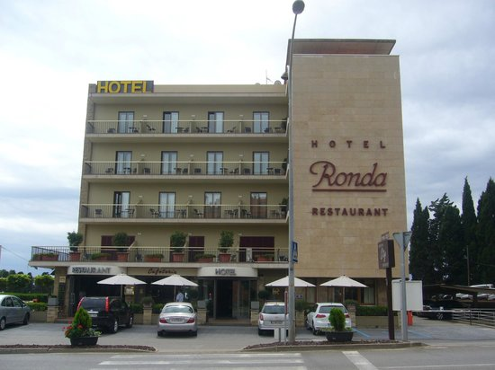 Hotel Ronda Figueres: Façade de l'hôtel