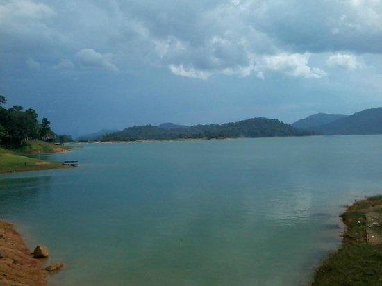 Kenyir Lake : 9