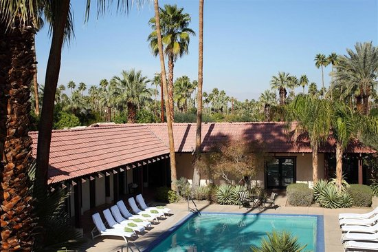 La Maison Hotel : pool and over all KS H