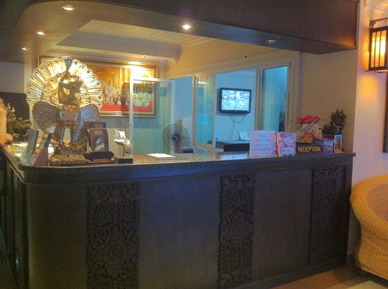 Lux Hotel : Reception