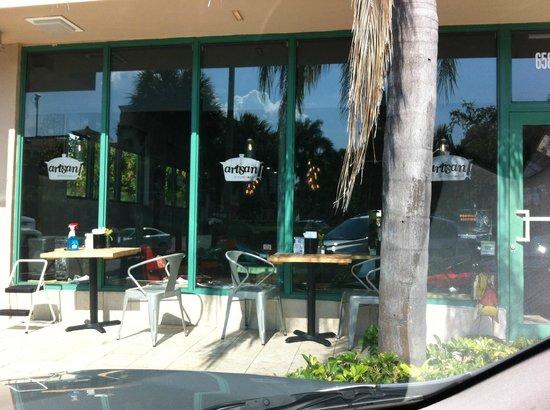 Artisan Kitchen and Bar: TERRAZA ARTISAN
