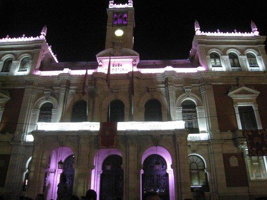 Plaza Mayor de Valladolid: La plaza de noche