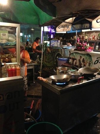 Bee Garden Cafe : Open-Air kitchen