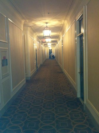 The Westin St. Francis San Francisco on Union Square: Gloomy corridors - NO security
