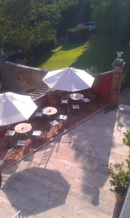 Borgo Grondaie: Outdoor breakfast area from Terrazza.