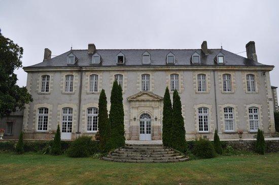 Abbaye de Villeneuve : We were at the top window!