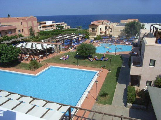 Sissi Bay Hotel & Spa: View from front of our balcony.