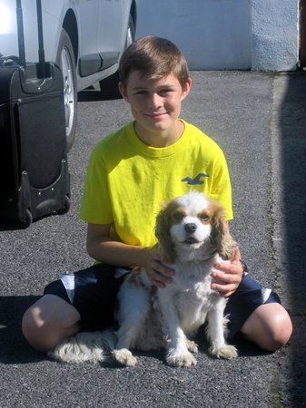 Eden Villa : my son with Jacob, the owners sweet dog