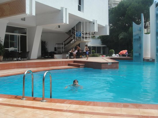 Hotel InterContinental : Clean and safe pool