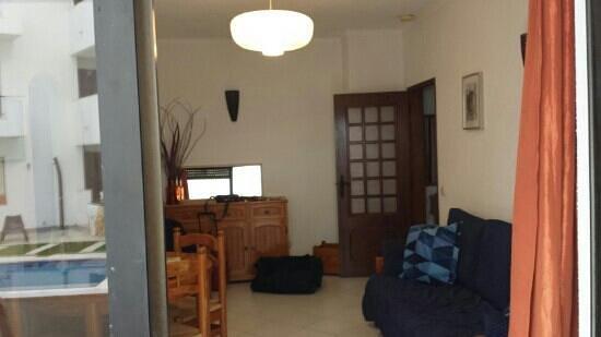 Sol a Sul Apartments: living room