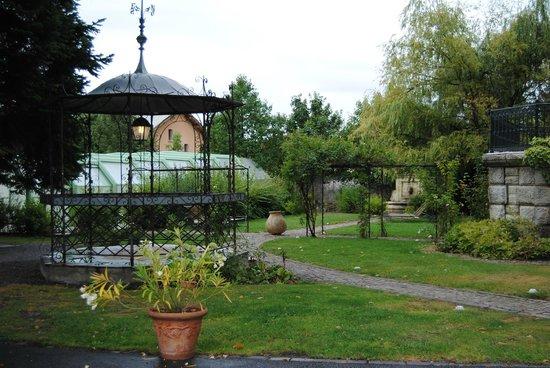 Villa Morelia : Looking from Villa up to garden
