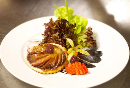Cafe du Grutli : tatin de fiques fraîches au chevre...