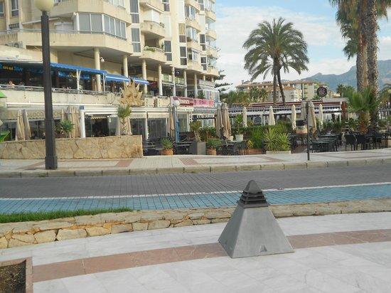 coco loco beach bar on the end picture of coco loco beach albir s l el albir tripadvisor. Black Bedroom Furniture Sets. Home Design Ideas