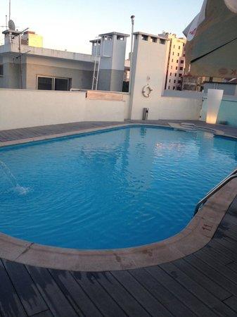 SANA Reno Hotel: pool by night